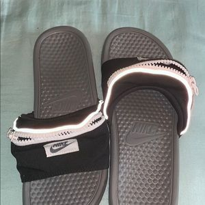 NEVER WORN Nike Fanny Pack Slides!!
